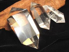 ●4A【天然透明 水晶 ダブルポイント (双剣)】30グラム-40グラム 1個630円 極上超透明 手ごろな小さめサイズ 大人気浄化アイテム【ブラジル産】