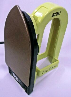 NTSC電圧切替式トラベル用アイロンITA-I222