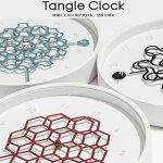 壁掛け時計 タングルクロック 時間と共に変わりゆく、幾何学模様。同じ模様の長針と短針が、様々な柄を作り出します。2つの針がぴったり重なった瞬間、きっとうれしい気持ちになります。