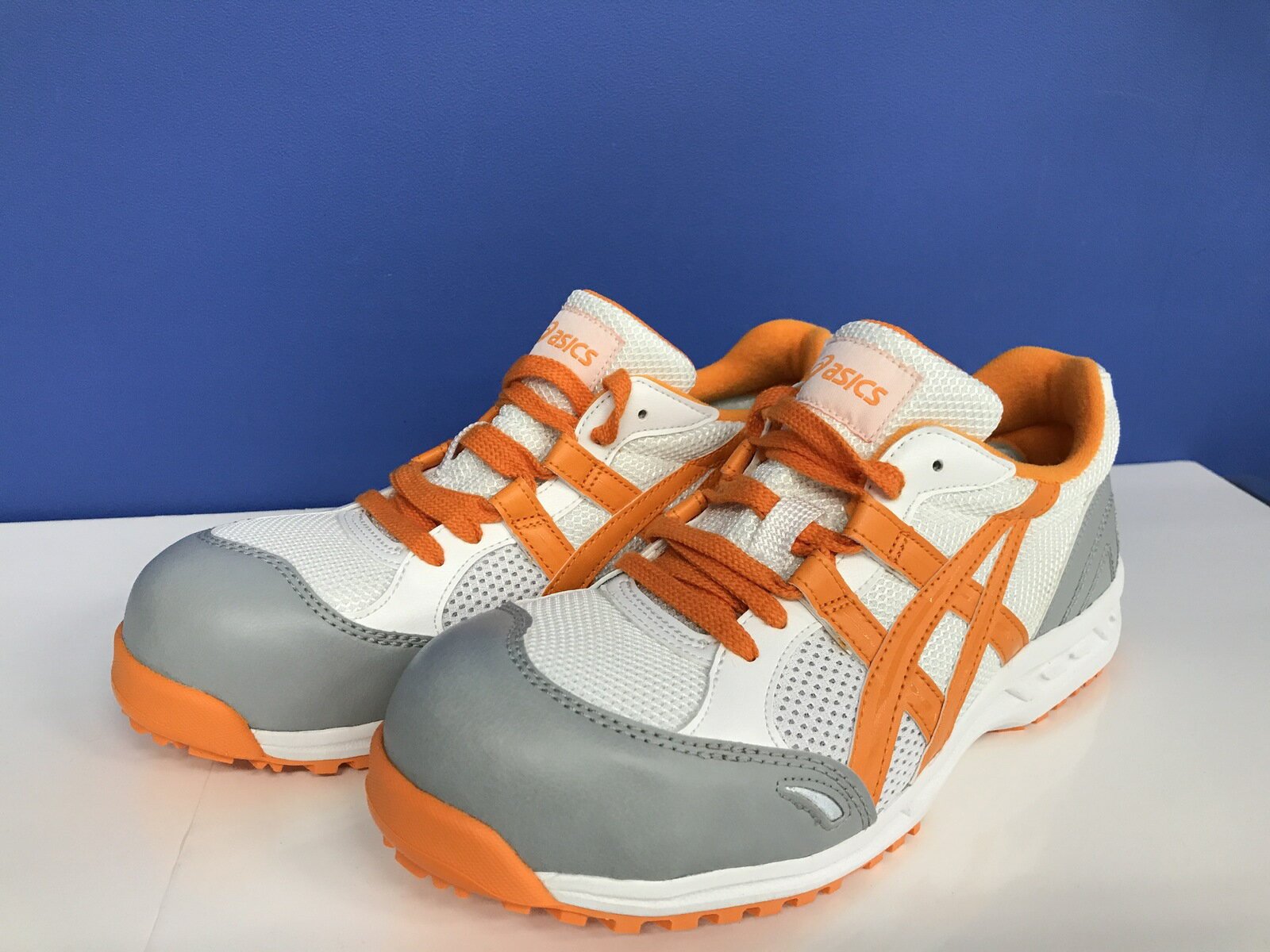 ※送料無料 アシックス 安全スニーカー 作業靴 品番 FIS33L カラー 0109 ホワイト オレンジ色 カラー2393 レッド色