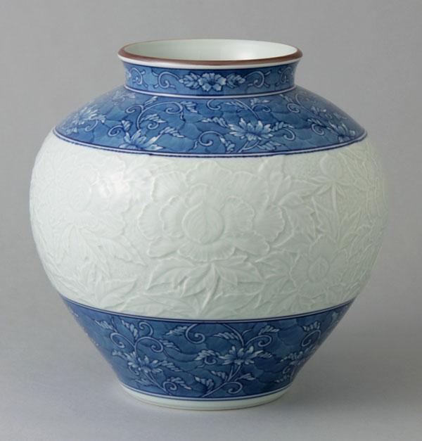 有田焼 7寸明型花瓶 唐草牡丹彫 Y229-W