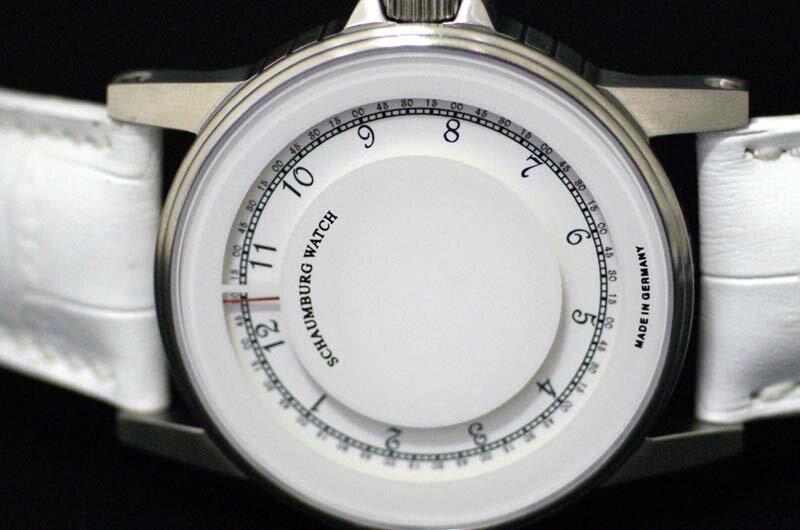 MADE IN GERMANY ドイツ製 シャウボーグウォッチ ユニークなダイヤルディスプレイ 時針はディスク 秒は針 自動巻き