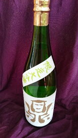 鼎 大吟醸 1.8L【長野県】【日本酒、年一回限定商品、超軟水『黒耀水』使用、フルーティ、旨味と香りが広がる、後味が良い】【贈答品】