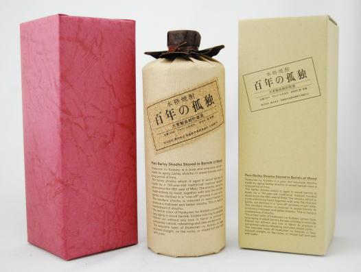 百年の孤独 (麦) 40度 720ml【ワインレッドの包装紙で包装済ギフトボックス入】【プレゼントに】