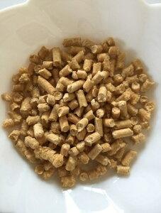 【下記別途県別運賃が必要】木質ホワイトペレット燃料(ペレットストーブ用)18kg(1袋)(29L)岡山県産微粉量が少ない猫砂としても最適注文は一袋に限り受付★人手間かけペレットを振るい