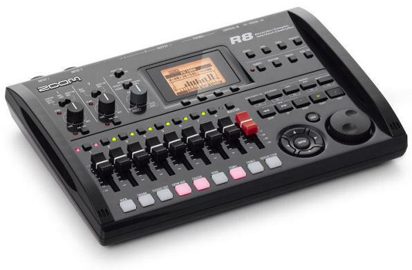 【送料無料】ズーム ZOOM R8 2tr同時録音/8tr同時再生/B5サイズ・コンパクト・マルチトラック・レコーダー【smtb-TK】