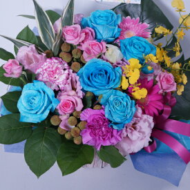 アレンジメント8000青バラと他の花も混ぜてオリジナル【世界に一つの贈り物♪お誕生日出産祝いなどの記念に残るサプライズな贈り物】青いバラ 青薔薇 【ご出演・発表会】【楽屋花】花 珍しい花 青色 ブルー系 ギフトアレンジ 生花 キャバ嬢 人気