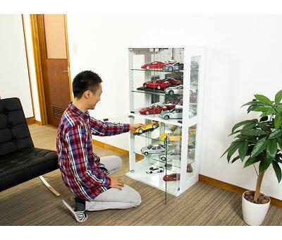 ガラス扉ガラス棚コレクションケース大切な宝物を飾って収納ガラス扉、ガラス棚、背面鏡を備えたキャビネット
