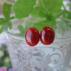 日本・高知産血赤珊瑚のオーバルピアス(8.4×6.5ミリ)/K18/『宝石サンゴ』