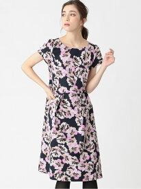 【SALE/39%OFF】フラワープリントドレス TO BE CHIC トゥー ビー シック ワンピース ワンピースその他 ネイビー【RBA_E】【送料無料】[Rakuten Fashion]