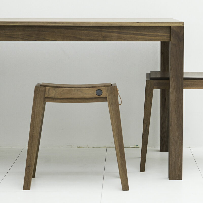 スタッキングチェア スタッキングスツール スツール 無垢 ウッド 木製 [b2c スタッキング・スツール(ウォールナット)] 椅子 いす イス チェア チェアー シンプル 家具 子供部屋 インテリア
