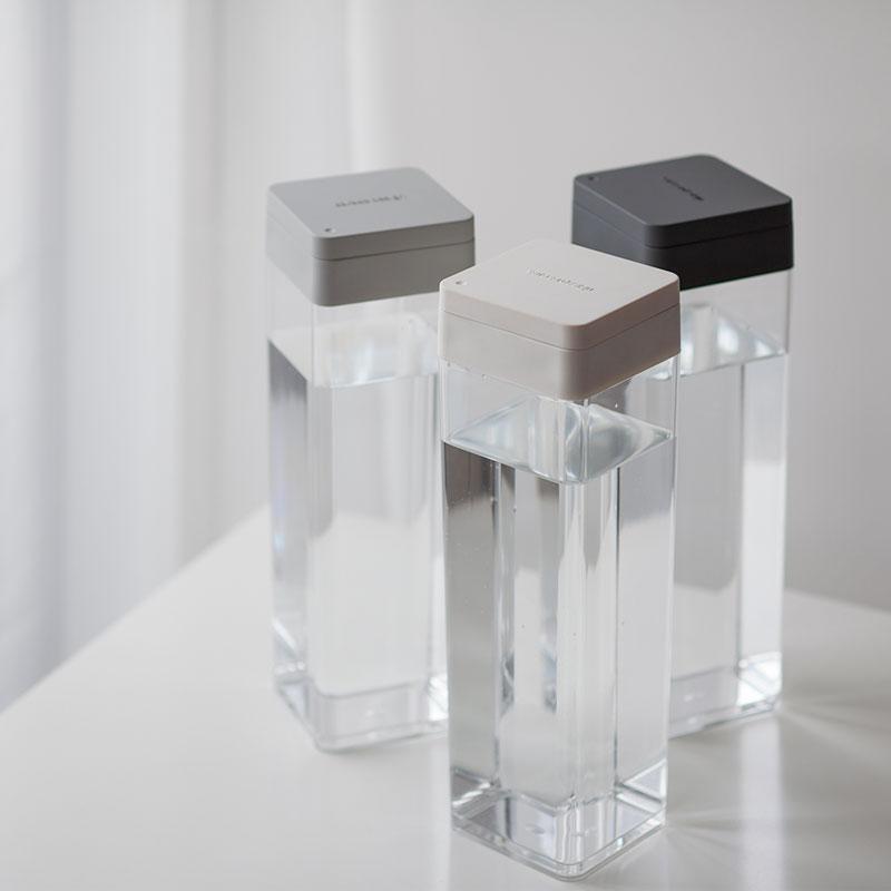 冷水筒・麦茶ポットとして便利なスリムで横置き可能な1.2Lピッチャー [b2cウォータージャグ(ホワイト・ウォームグレー・チャコールグレー)]