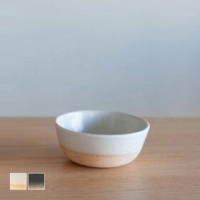 高台のないシンプルデザインの小鉢[b2c信楽奥田窯ボウルS(直径95x高さ40mm)]