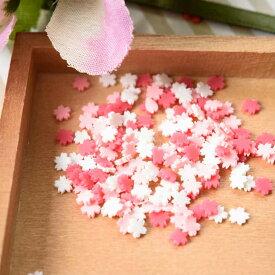 【レジン パーツ 封入 素材】ポリマークレイ チップ 桜 約5x5mm 赤ピンク白 約3g 埋め込み ネイル サクラ アクセサリーパーツ デコ