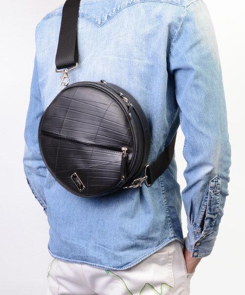 【送料無料】 ショルダーバッグ 防水 CIRCLE SEAL シール バッグ ショルダーバッグ メンズ 耐水 廃タイヤ タイヤチューブ 人気 日本製 黒