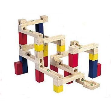 【送料無料】 あす楽対応 木製玩具 ビー玉積み木転がし 54