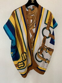 【中古】年中使えて便利です!HERMES エルメスプリント柄羽織れるジレ
