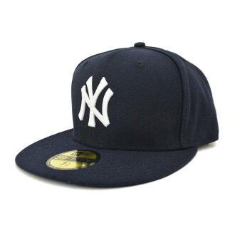 New Era MLB New York Yankees Authentic Performance On-Field Cap (game)