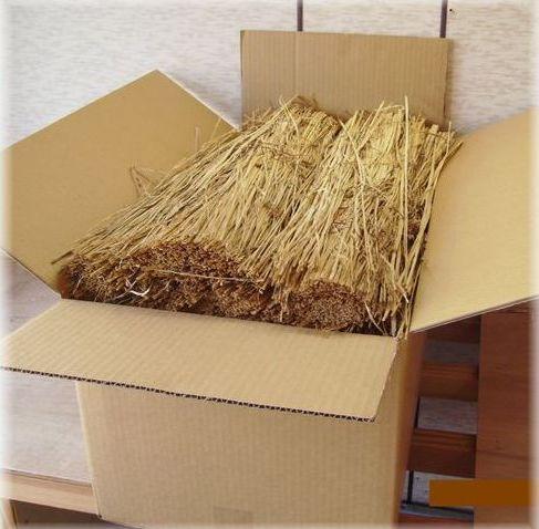 『稲わら60cm8kg(軽選別)』家庭菜園の敷きわらにたっぷりあります