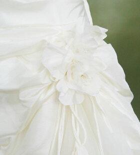 レンタルウェディングドレス「チュールドレープ裾バルーン(コサージュ取り外し可)」