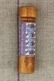 Sajou ニードルケース(縫い針6本入り) Porte aiguilles en bois de charme et ses aiguilles à repriser 針 木製 保管 収納 ケース フランス メゾンサジュー BOIS_TUBE_AIG_REPR