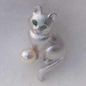 真珠 パール 猫ピンズ アコヤ本真珠 6-6.5mm ピンブローチ ラペルピン パール エメラルド ネコ【RCP】