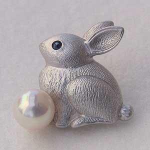 入学 入園 真珠 パール ピンズ アコヤ本真珠 6-6.5mm ウサギ ピンブローチ ラペルピン サファイア うさぎ 兎