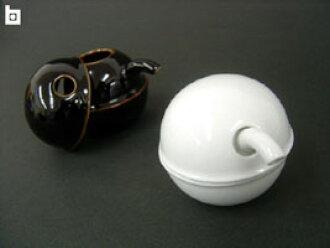 BBW nice Deli and a circular design Hakusan porcelain C-soy sauce pot