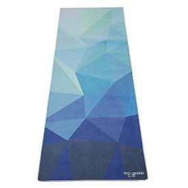 ヨガマット フィットネス 【送料無料】The Hot Yoga Towel. Eco-Friendly, Lightweight, Insanely Absorbent, Non-Slip, Microfiber Towel That Dries in Minutes! Ideal for Bikram, Hot Yoga, Pilates. Machine Washable. (Geo Blue)ヨガマット フィットネス