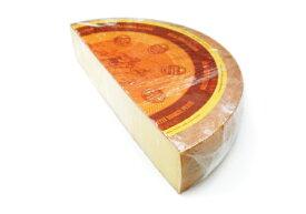 【フランス産・無殺菌乳使用】ラクレット・レ・クリュ 1/2カット約3.5kg(不定貫)100gあたり550円(税別)【セミハードタイプチーズ】