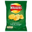 ウォーカーズ ソルト&ビネガー味 ポテトチップス Walkers Crisps Salt & Vinegar (32.5g) スナック菓子 スナック イ…