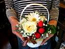 VIKIプロデュース・小さいけど素敵!『ストロベリーケイク♪バラのミニアレンジ!』 花 誕生日 お祝い 生花 ギフト 薔…