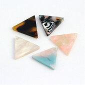 ビーズアクリルパーツ三角17mm【メール便可】|ビーズ|アクリル|パーツ|プレート|アクセサリー|三角|トライアングル|