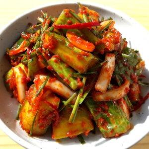 国内生産 手作り ウリ 胡瓜 カット キムチ 1kg 国内産胡瓜使用 新鮮 無添加 本場の味 韓国 食品 食材 料理 おかず おつまみ