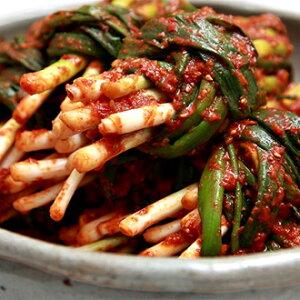 国内生産 手作り ウリ 万能葱キムチ 200g ねぎキムチ 新鮮 無添加 本場の味 韓国 食品 食材 料理 おかず おつまみ
