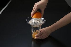 トルネードジューサー日本製 かんたん らくらく 絞り器割れない フルーツ フレッシュジュース果実 直接絞る 軽い力 朝食 酎ハイレモンハイ レモン グレープフルーツオレンジ みかん 燕三条