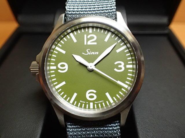 ジン 腕時計 Sinn ジン時計 556.GREEN 日本限定150本しか作られませんでした まぎれもないジン・スタイル