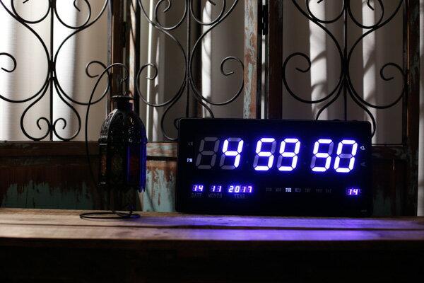 未使用品 LED NUMBER CLOCK 多機能 中型 スクエア デジタル 壁掛け時計 クロック ブルー 4622 【中古】【ベクトル 古着】 171121 ベクトル 新都リユース