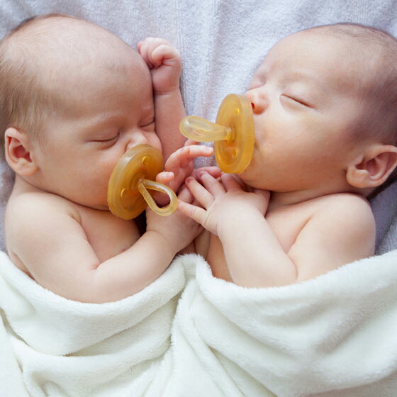 デンマーク NATURSUTTEN ナチュアスッテン 天然ゴム おしゃぶり ラウンド型 新生児〜12ヶ月以上