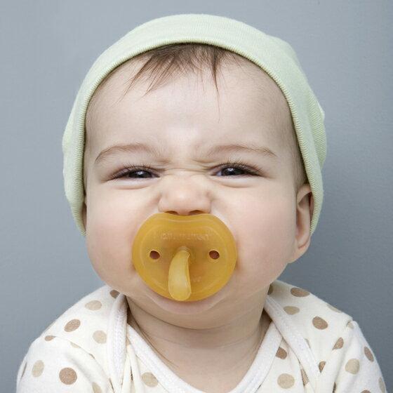 デンマーク NATURSUTTEN ナチュアスッテン 天然ゴム おしゃぶり バタフライ ラウンド型 新生児〜12ヶ月以上