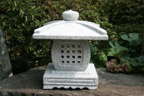 【送料無料】天下茶屋灯篭(1尺)【御影石】日本庭園にピッタリの赴きのある灯篭です♪(中国産)玉砂利などの上にもピッタリ☆