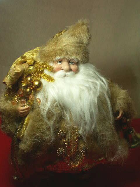 リアルなサンタクロースドールプレゼントいっぱい抱えた金色のサンタスパンコール輝くゴールド衣装憧れのヨーロピアンスタイルの人形【ベルを持った金のサンタ】