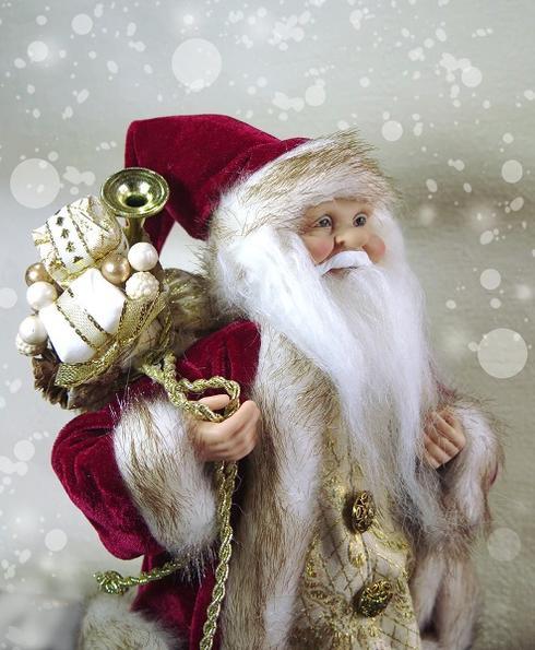 リアルなサンタクロース中型スタンディング サンタラクーンのファー 刺繍の金ベストが粋!本物そっくりな衣装の人形憧れのヨーロピアンドール