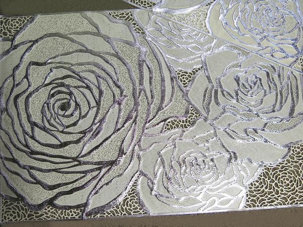 2枚セット薔薇の花のフリーマットホワイトローズが彩るランチョンマットやリビングクロステーブルランナーに豪華さを!アイボリー地に咲く銀のバラ