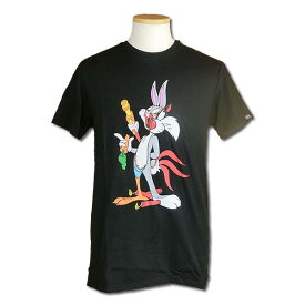 ■LooneyTunes(ルーニー・テューンズ)■BIT AND PIECES TEE■ブラック■デザインプリントTシャツ■サイズ S〜3XL■直輸入正規品■AKA(AlsoKnownAs)