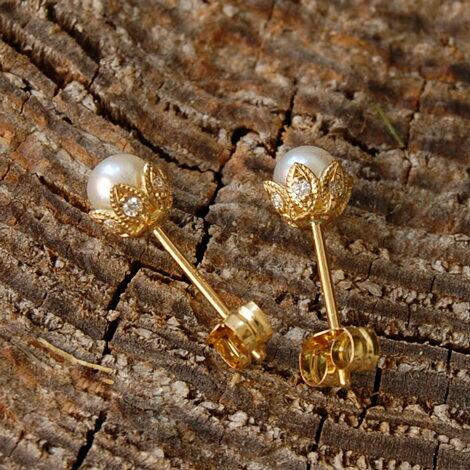 パール リーフ ピアス 『Leaf Pierce』 ピアス レディース パールピアス k18 18金 18k k10 10金 10k ゴールド 真珠ピアス 真珠 ダイヤモンド earrings 大人 女性 上品 繊細 かわいい 送料無料 ギフト プレゼント