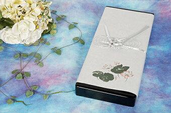 ご進物用お線香・宇野千代ブランド「特撰淡墨の桜」ベテラン店長のおすすめ商品です。