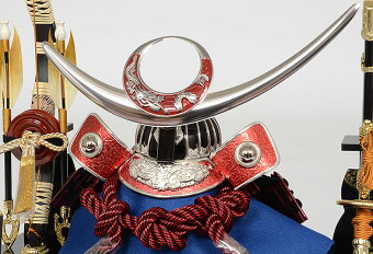 No.505-147五月人形コンパクト赤銀盛上鍬形黒塗りケース飾り上杉謙信兜ケース
