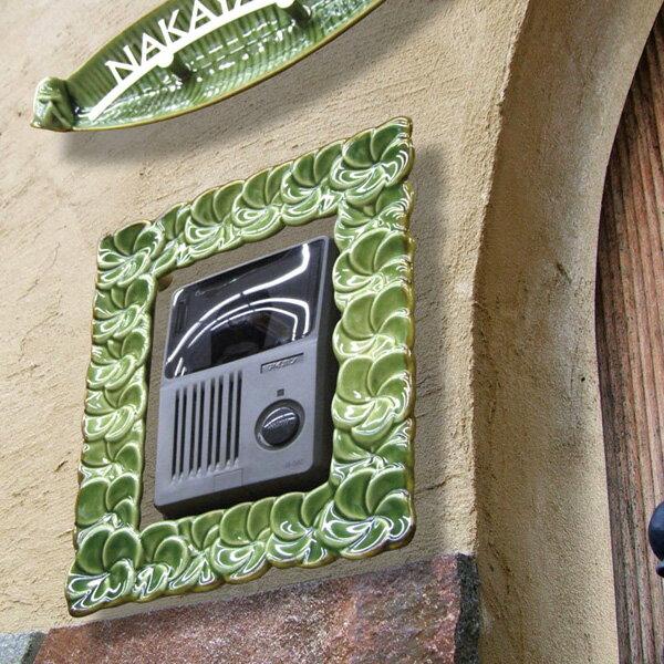 ジェンガラ インターホンフレーム 01 バリのジェンガラ社。プルメリアがインターホンの花飾りになりました! ハワイのレイみたいに可愛いフレーム飾り。壁面に単独でも使用OK! 【送料無料】