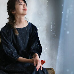 癒しのひととき、とじこめました。しっとり穏やかな雨のしずく柄ワンピースワンピースM/L/LL/3Lサイズレディース/ロング/Aライン/フレア/7分袖/七分袖/麻混/ドット/水玉